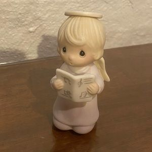 Precious moments - musical angel figurine